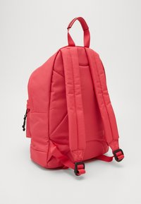 Guess - BACKPACK - Rucksack - raquel rose - 3