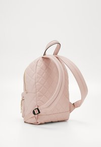 Guess - STACIE SMALL - Rugzak - rose - 1