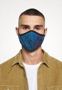Guess - FACE MASK - Maschera in tessuto - denim logo print - 3