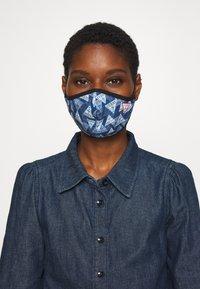 Guess - FACE MASK - Masque en tissu - full triangle - 0