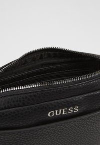 Guess - DAN SMALL NECESSAIRE - Schoudertas - black - 5