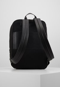 Guess - DAN LOGO BACKPACK - Reppu - black - 3