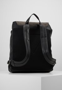 Guess - SALAMEDA BACKPACK - Reppu - black - 3
