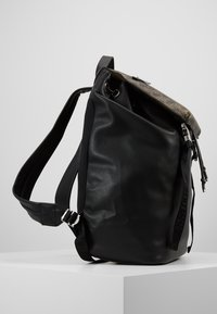 Guess - SALAMEDA BACKPACK - Reppu - black - 4