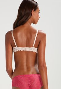 Guess - PASSION  - Push-up BH - nude - 2