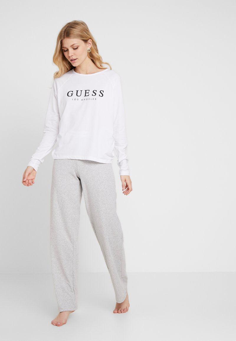 Guess - CORE SET - Pyjama - optic white/grey
