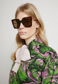 Gucci - Sonnenbrille - havana/gold-coloured/brown - 1
