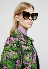 Gucci - Zonnebril - havana/green - 1