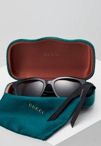 Gucci - Zonnebril - black/grey - 2