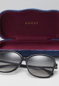 Gucci - Sluneční brýle - black/grey - 2