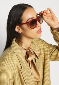 Gucci - Solbriller - red/brown - 1