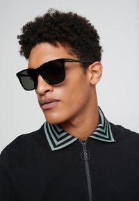 Gucci - Solbriller - black/grey - 1