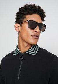 Gucci - Sonnenbrille - black/ruthenium/grey - 1