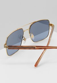 Gucci - Zonnebril - gold-coloured/crystal/grey - 5