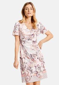 Gerry Weber - KLEID GEWEBE KLEID MIT ALLOVERDESSIN - Korte jurk - pink/tobacco/flamingo print - 1