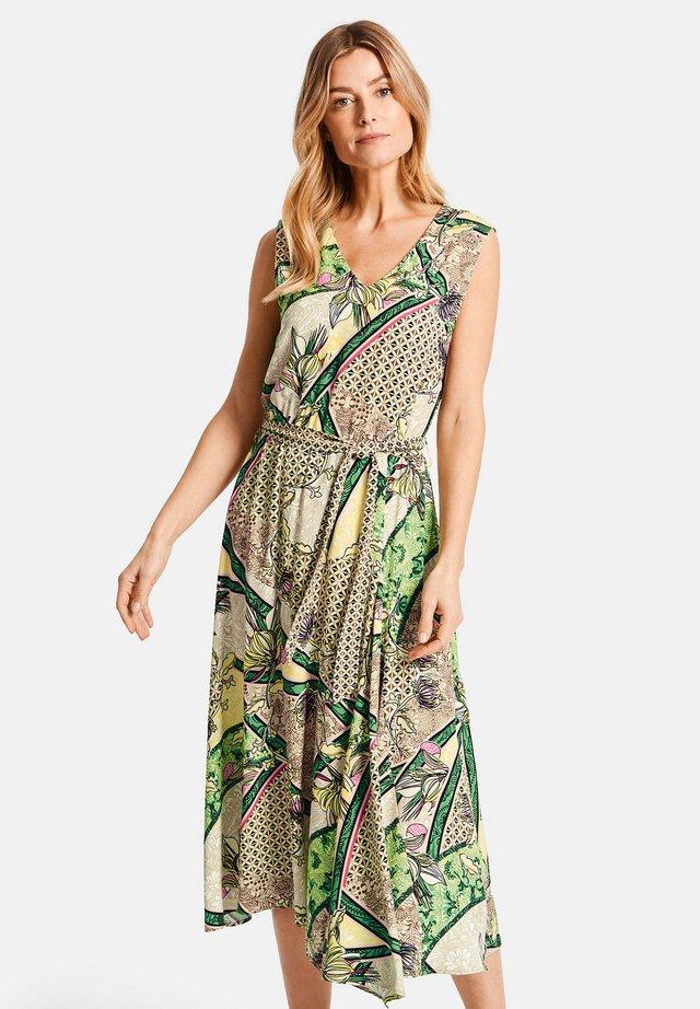 MIT ASYMMETRISCHEM SAUM - Korte jurk - multi-coloured