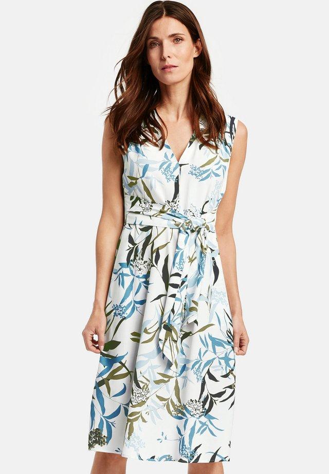 MIT WICKELEFFEKT - Day dress - ecru/blau/khaki