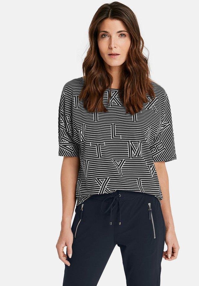 MIT MUSTERMIX - Print T-shirt - black/white