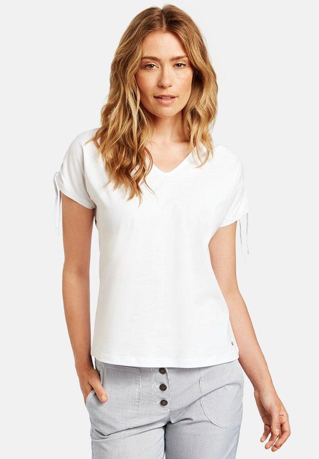 MIT KRÄUSELDETAIL ORGANIC COTT - T-shirt basique - weiß/weiß