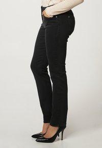 Gerry Weber Edition - ROXY - Straight leg jeans - dark grey - 3