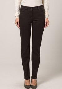 Gerry Weber Edition - ROXY - Straight leg jeans - braun - 2