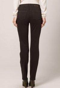 Gerry Weber Edition - ROXY - Straight leg jeans - braun - 4