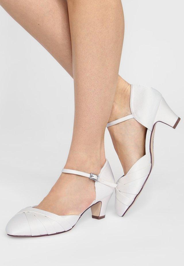 BLANCA - Bridal shoes - ivory