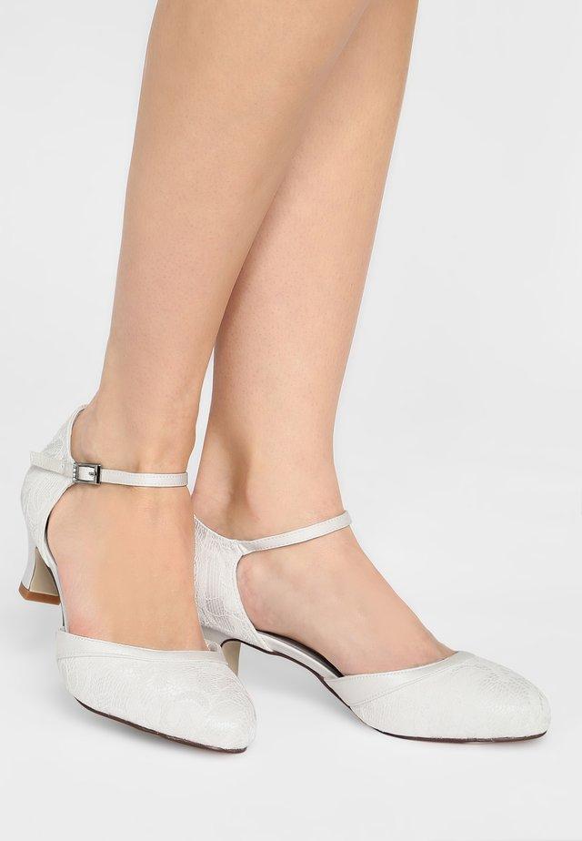 SUZY - Bridal shoes - ivory