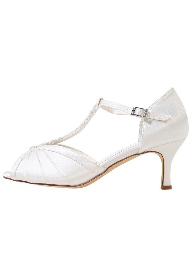 PERLA - Bridal shoes - ivory