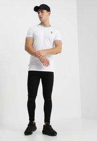 Gym King - DISTRESSED  - Skinny džíny - black - 1