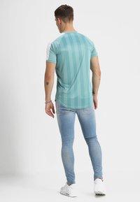 Gym King - DISTRESSED - Skinny džíny - light wash blue - 2