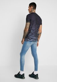 Gym King - CLANTON - Jeans Skinny Fit - light blue - 2