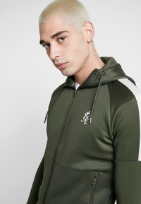 Gym King - CORE PLUS TRACKSUIT TOP - Trainingsvest - forest/stone - 3