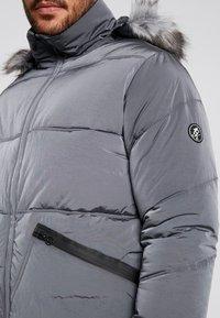 Gym King - MAGELLAN SHORT  - Zimní bunda - steel - 6