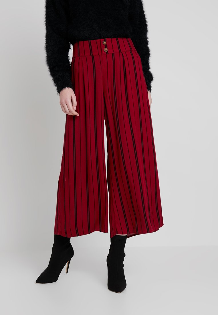 Hollister Co. - PAPER BAG WAIST WIDE LEG PANT - Trousers - red