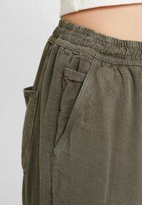 Hollister Co. - Kalhoty - olive - 4