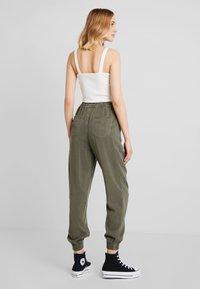 Hollister Co. - Kalhoty - olive - 3