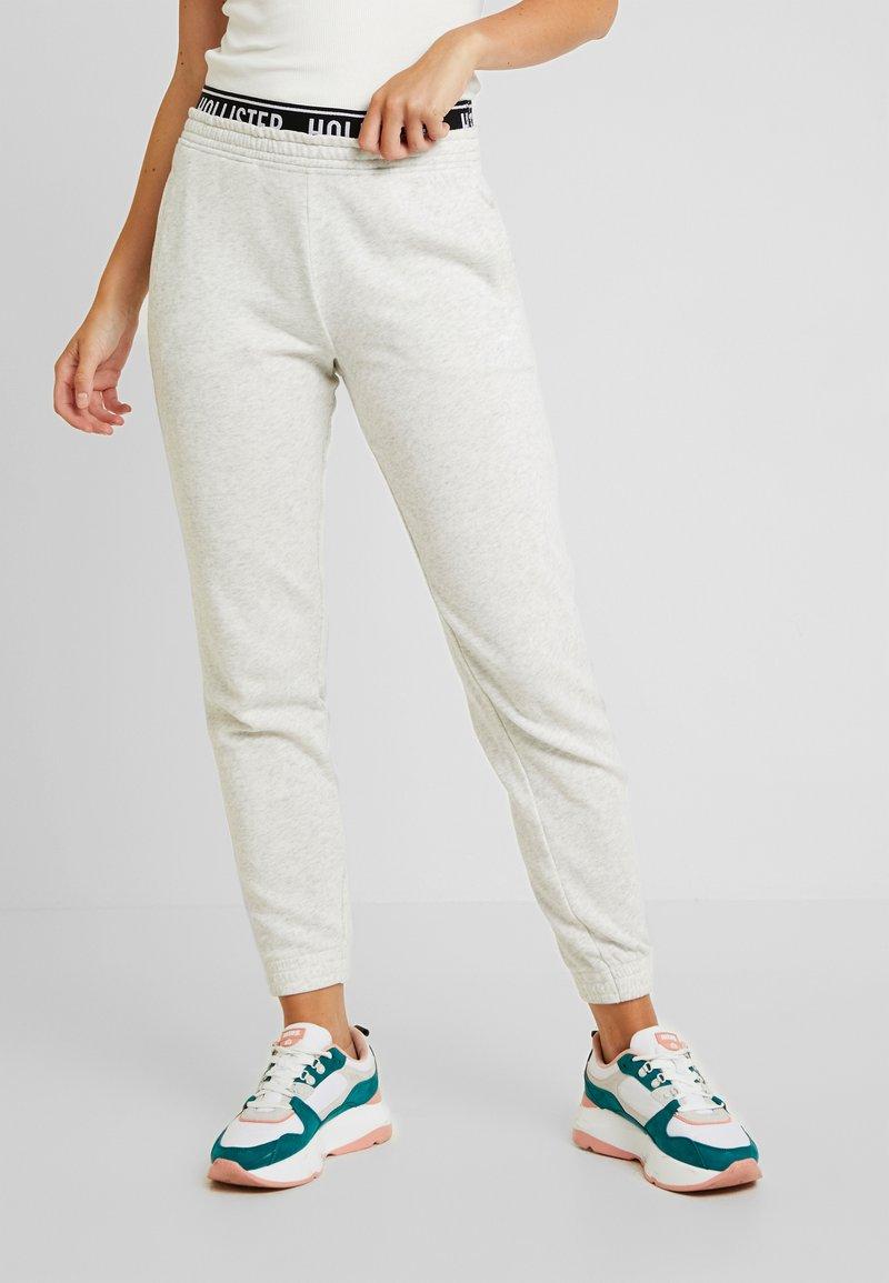 Hollister Co. - JOGGER - Pantalones deportivos - medium grey