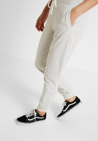 Hollister Co. - LOGO JOGGER - Tracksuit bottoms - grey - 3