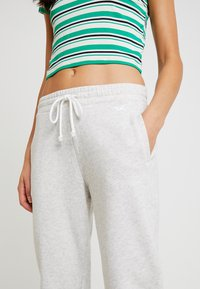Hollister Co. - LOGO JOGGER - Tracksuit bottoms - grey - 5