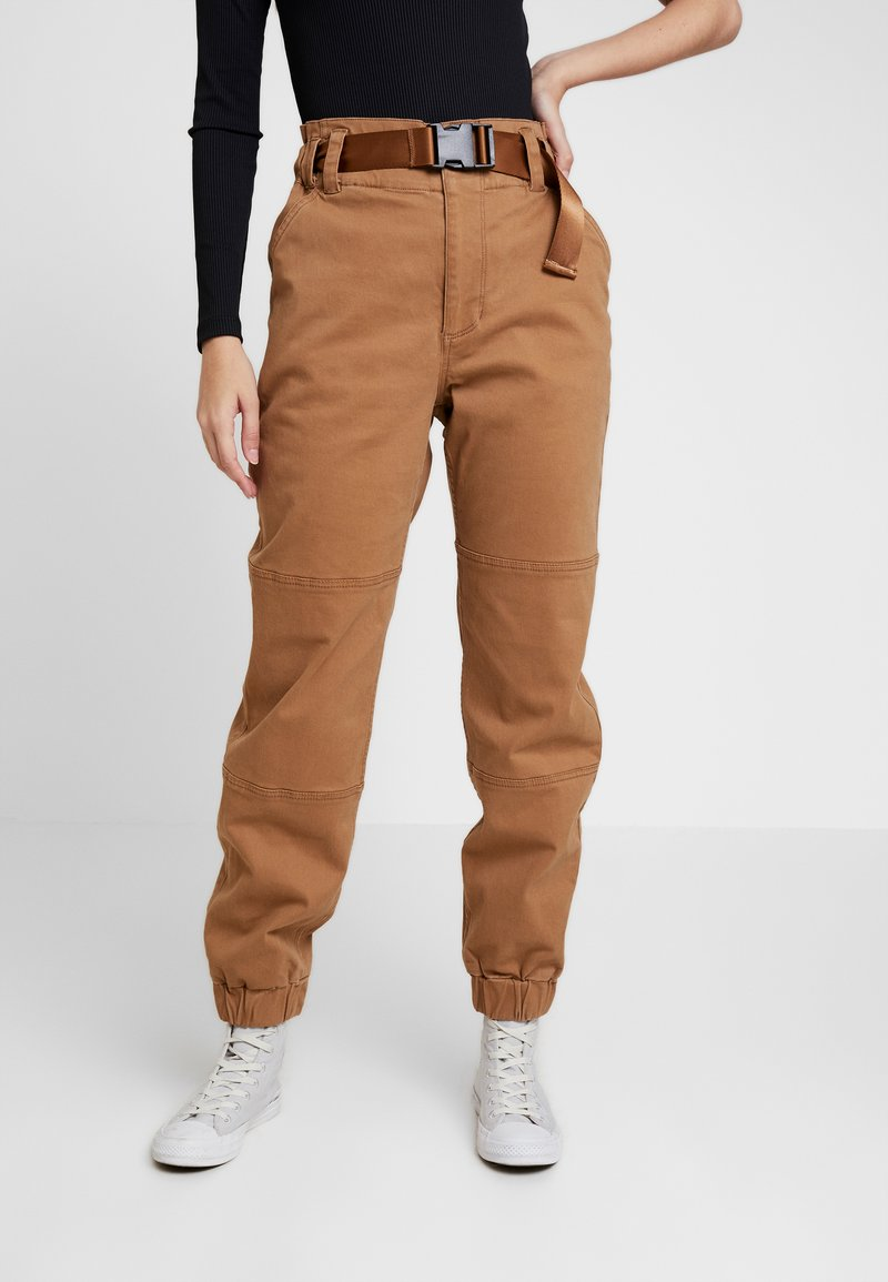 Hollister Co. - PAPER BAG WAIST - Stoffhose - tan