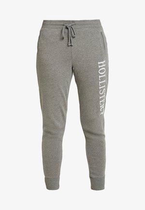 LOGO JOGGER - Pantalones deportivos - streaky grey