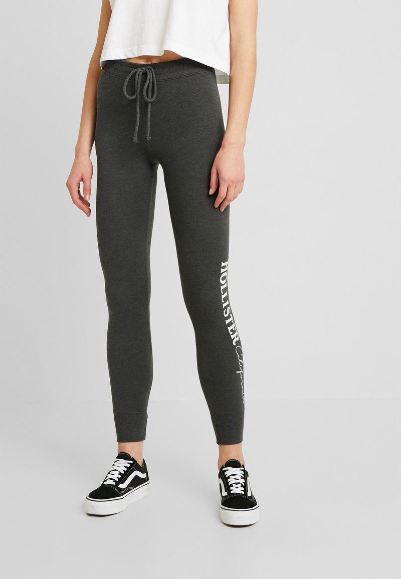 Hollister Co. - LOGO FLEGGING - Pantalon de survêtement - dark grey