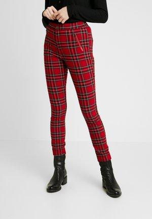 PLAID SUPERSKINNY - Kalhoty - red