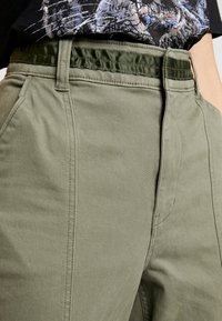 Hollister Co. - JOGGER TRIM - Kalhoty - olive - 4