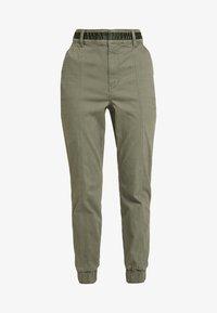 Hollister Co. - JOGGER TRIM - Kalhoty - olive - 3