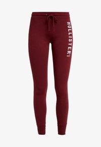 Hollister Co. - TIMELESS FLEGGING - Teplákové kalhoty - bordeaux - 4