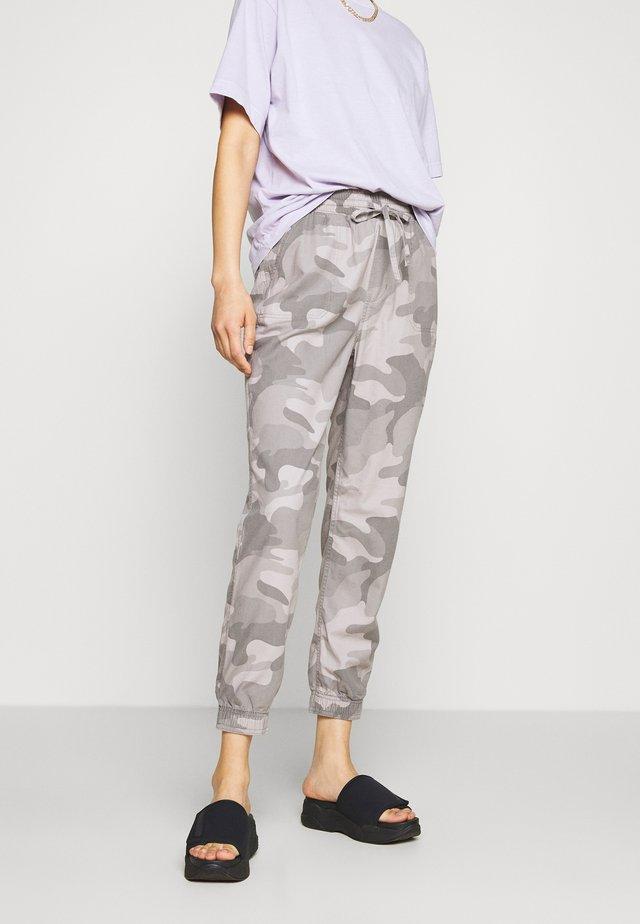 DRAPEY - Pantalones - grey