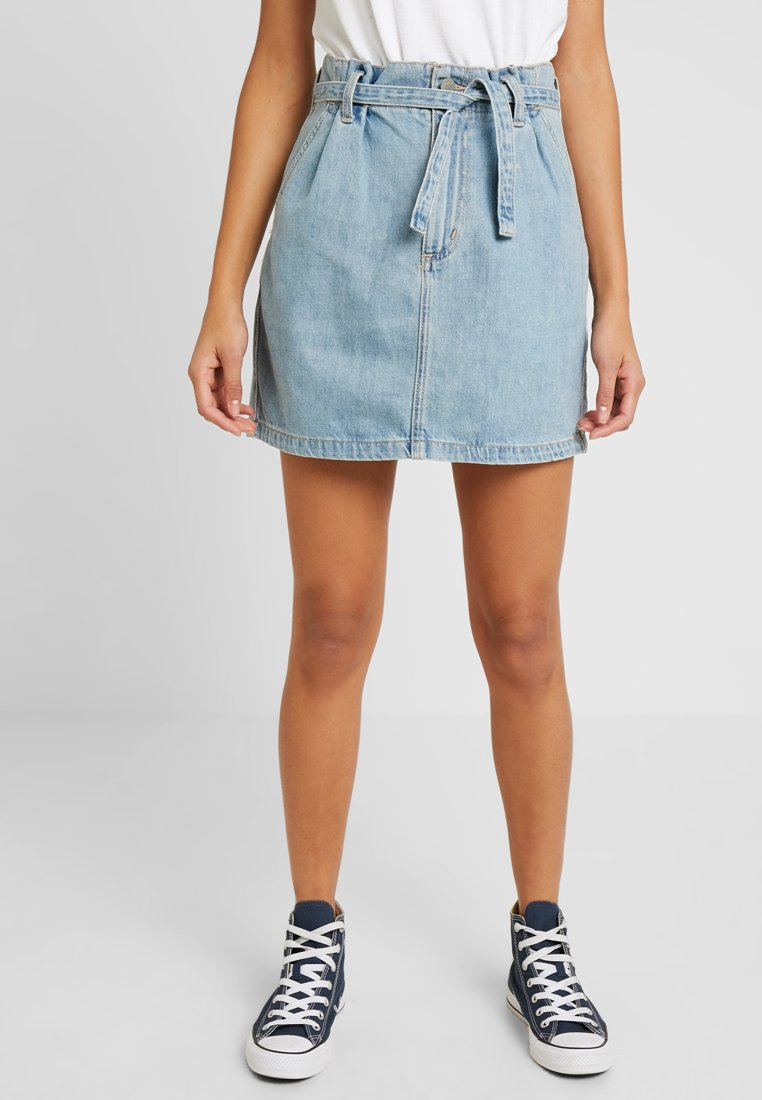 Hollister Co. - ULTRA HIGH RISE PAPER BAG WAIST SKIRT - A-Linien-Rock - light blue denim