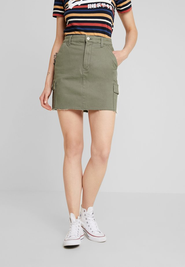 ULTRA HIGH RISE CARGO SKIRT - A-linjekjol - olive